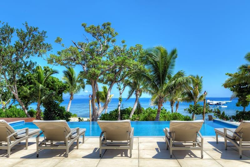 vomo accommodation residence pool