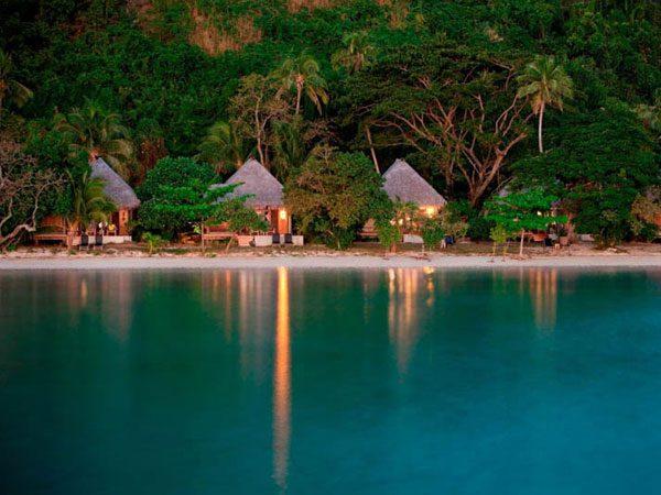 liku-liku-fiji-beachfront-bures