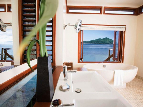 liku-liku-fiji-over-water-bures-bathroom