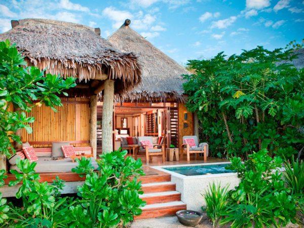 likuliku-lagoon-resort-fiji-deluxe-beachfront-bure-exterior