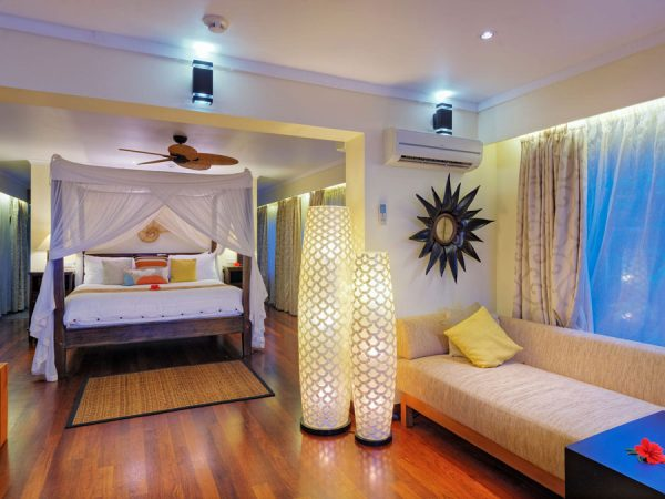 Nanuku Auberge Resort – Beachfront villa bedroom